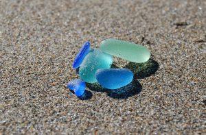 雷雨の後にビーチに集まるガラス!私たちに出来ることは?!