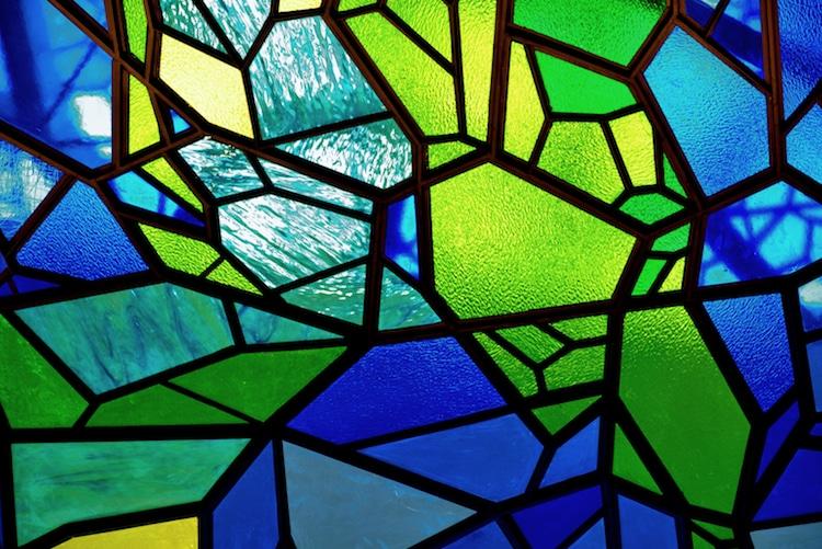 記念建物などににあるステンドグラスの美しさ!そのガラスのタイプは?!